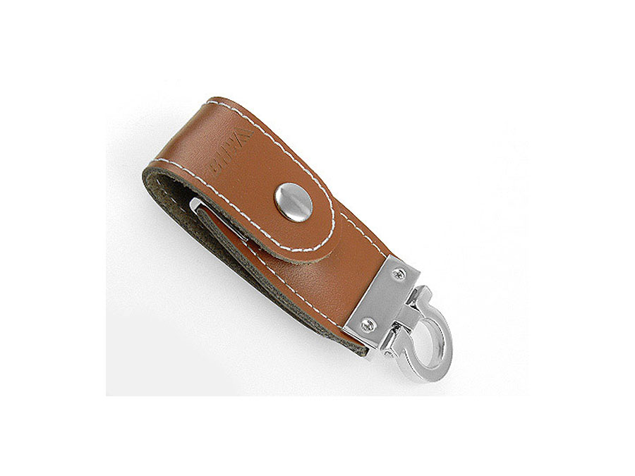 USB Stick in Lederhülle mit Prägung des Logos