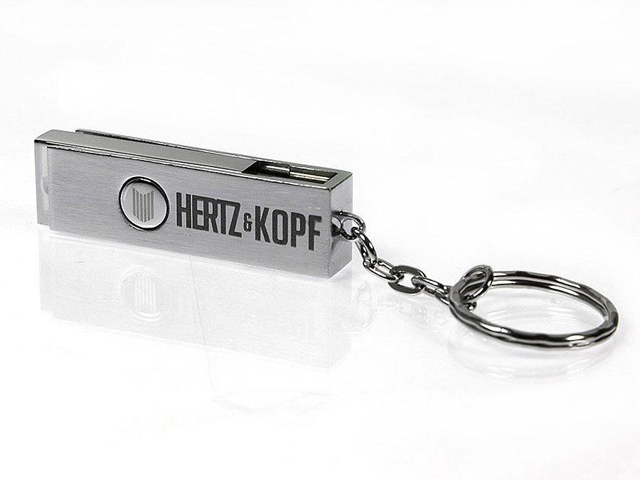 Gravur und Druck des Logos auf Metall USB-Stick