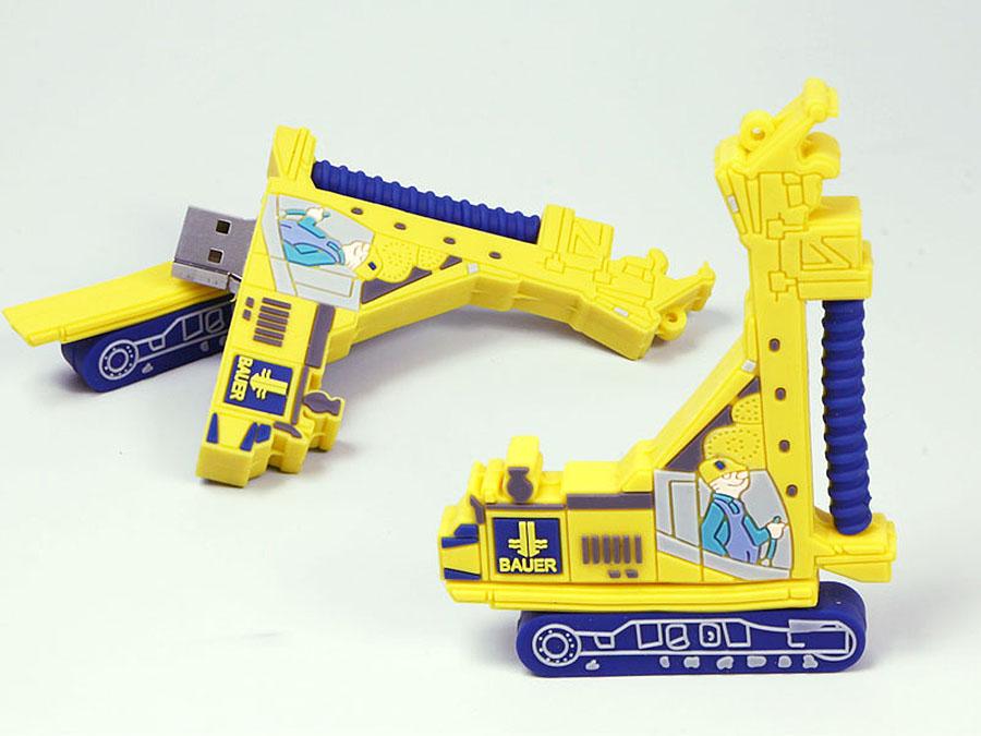 Bahher mit Bohrer als Baufahrzeug mit Logo als USB-Stick