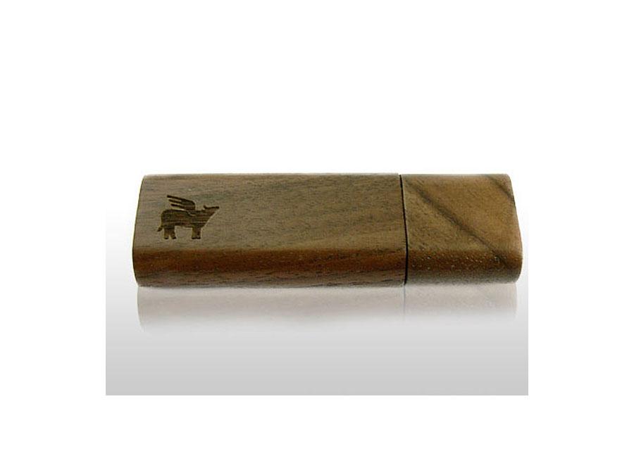 dunkler_Holz-USB-Stick mit graviertem Logo