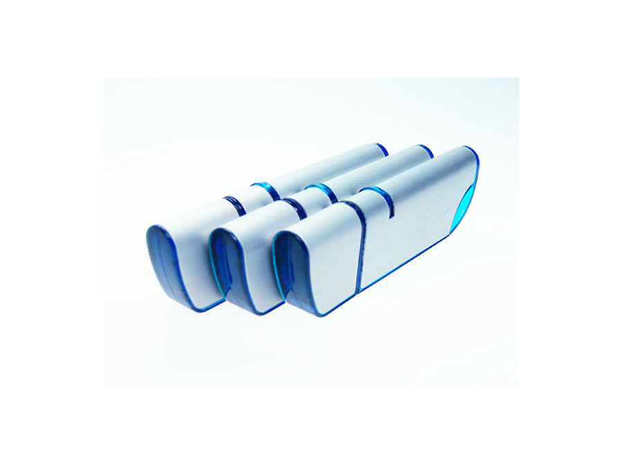 Eleganter USB-Stick in blau und Aluminium Oberfläche