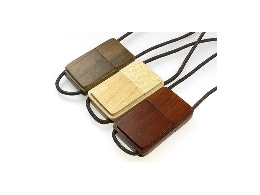 umweltfreundlicher USB Stick aus Holz mit Logo als Give Away