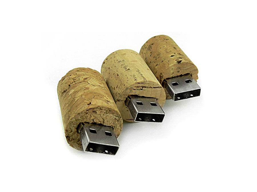 USB Sticks aus Kork mit eingebranntem Logo umlaufend