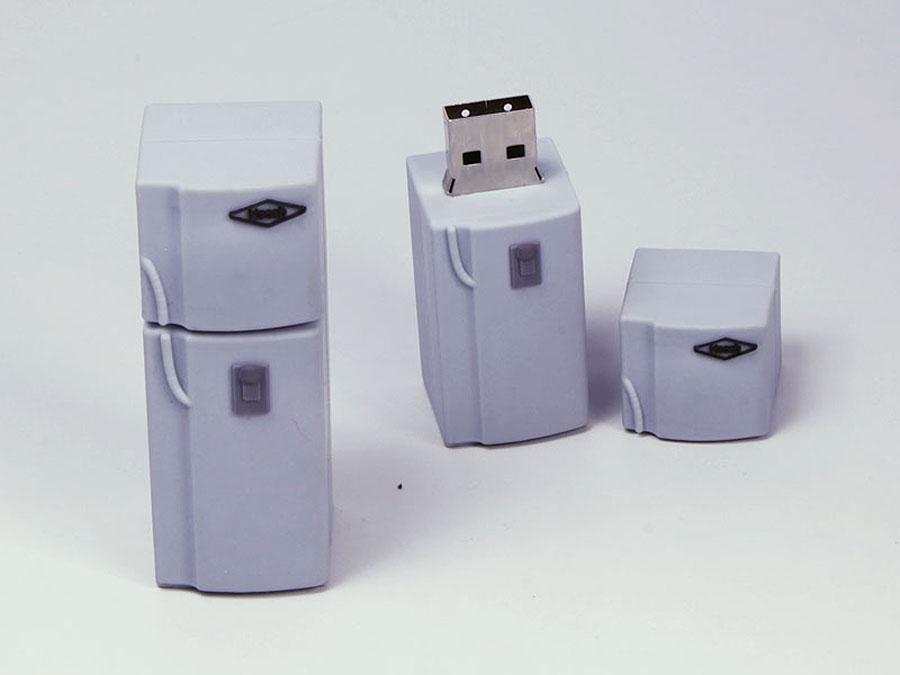 Kühlschrank mit Gefrierfach und Logo als individueller USB-Stick in Wunschform