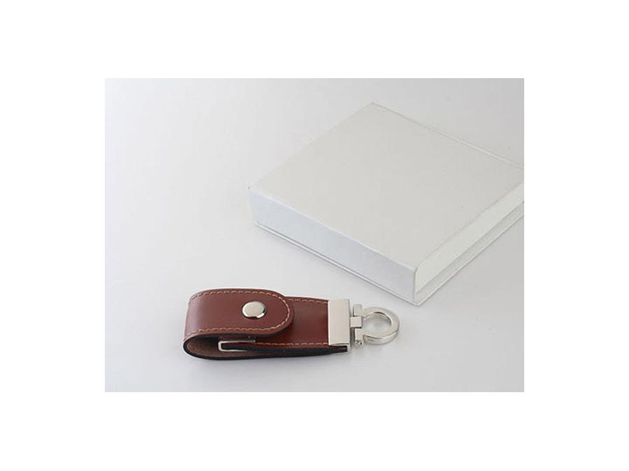 Leder USB-Stick mit Logo in Lederprägung als Werbegeschenk mit Geschenkbox