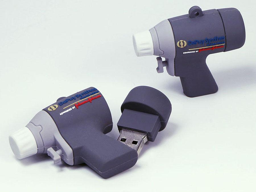 Maschine Bohrmaschien Akkuschrauber Pistole Spritze als USB-Stick mit Logo