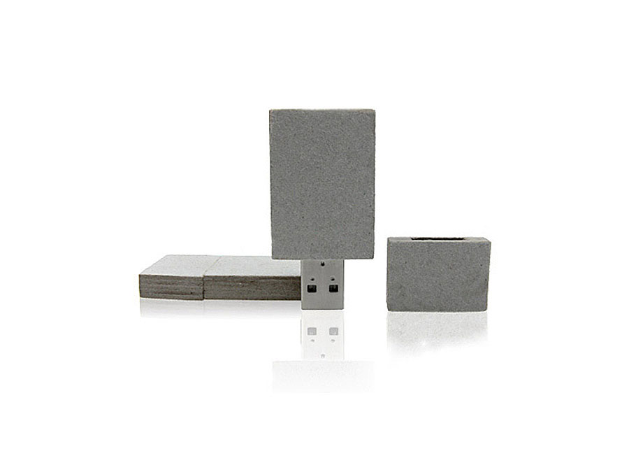 USB-Stick aus Pappe mit Logo als ökologisches Give Away