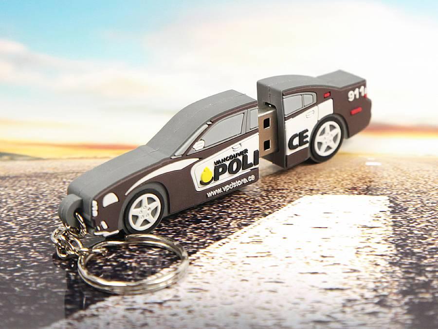 Polizeiauto als USB-Stick