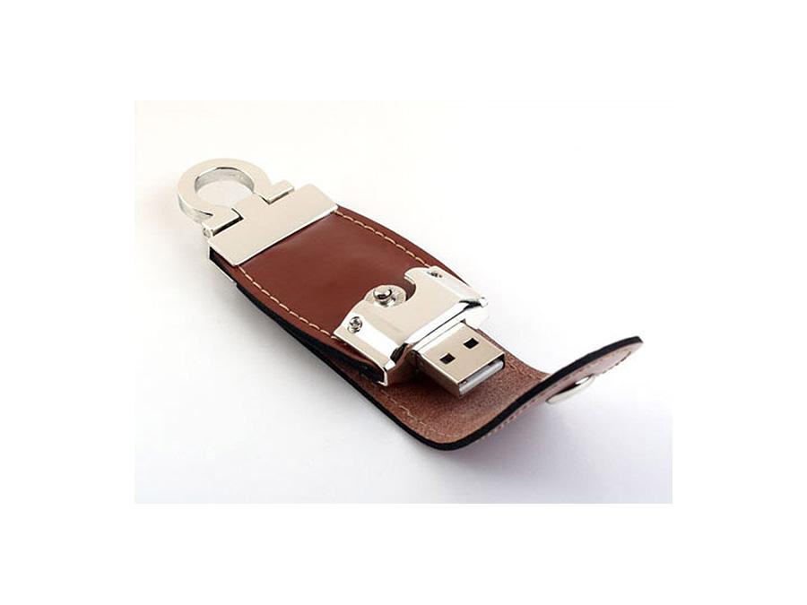 USB-Stick aus Leder mit Logo in Lederprägung als Werbegeschenk