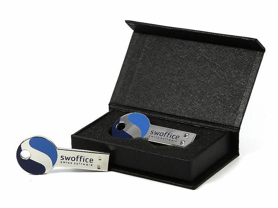 Kleiner USB-Schlüssel mit farbigem Druck in Geschenkbox Magnetklappbox