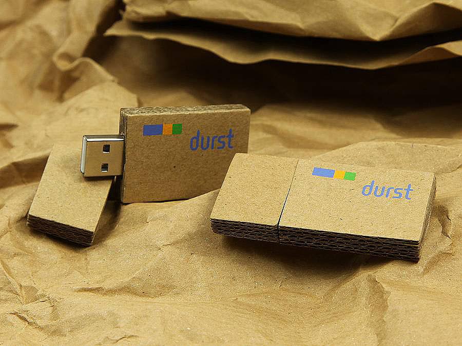 Durst Wellpappe USB-Stick mit Logo bedruckt