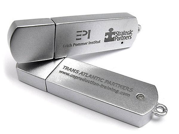 Vollmetall USB-Stick mit Deckel und zweifarbigem Aufdruck
