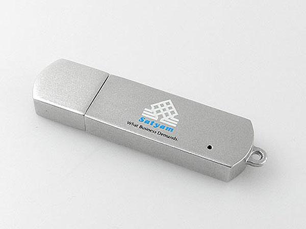 Hochwertiger Vollmetall USB-Stick in Silber mit farbigem Aufdruck