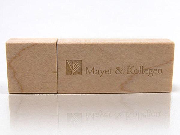 Meyer Kollegen Holz USB Stick Logo geprägt