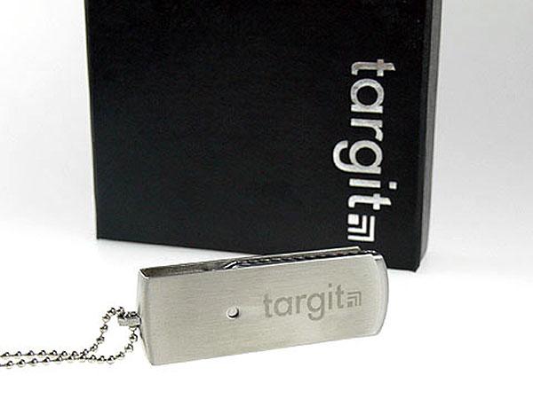 hochwertiger schwerer Swing USB-Stick zum drehen mit schwarzer Box