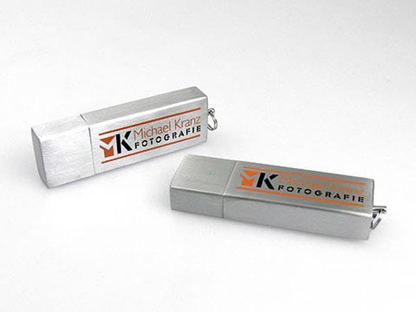 Metall USB-Stick mit zweifarbigem Logo-Aufdruck