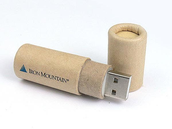 USB-Stick aus Karton mit Logo