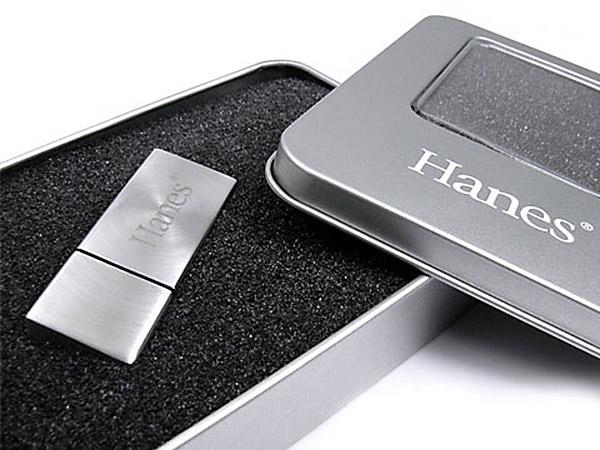 USB Stick matt Metall mit Gravur in Geschenkbox Dose Tin