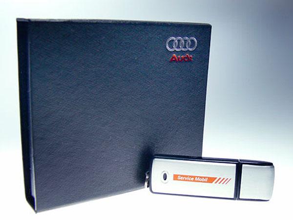Audi Service Mobil Aluminium USB-Stick