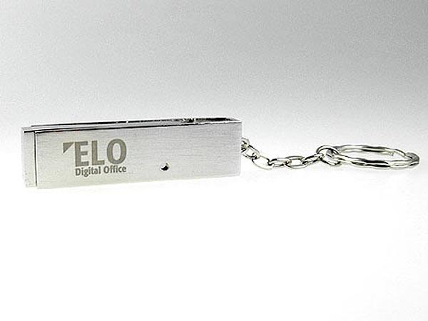 USB-Stick aus Metall am Schlüsselring mit Gravur