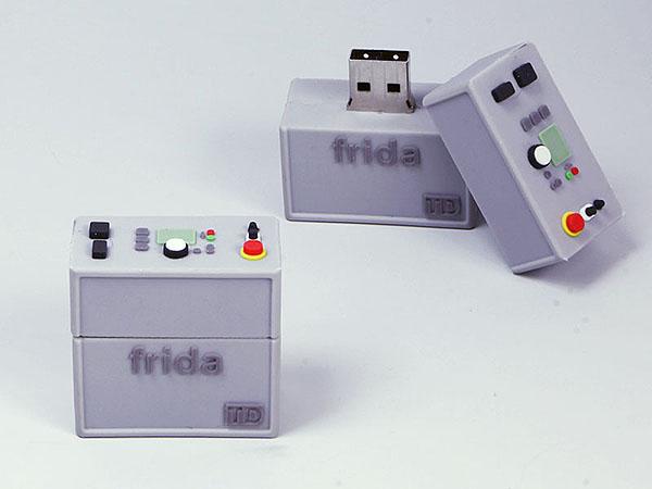 Frida TD Maschine Kontrolleinheit mit Knöpfen und Schaltern als USB-Stick