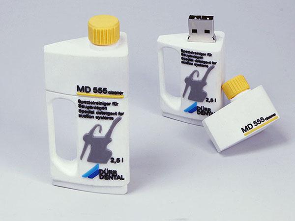 Ölflasche Flasche für Öl und Reinigungsprodukte mit Logo als USB-Stick
