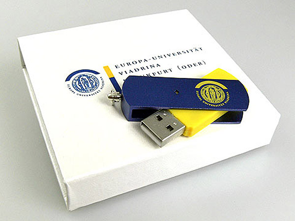 USB-Stick aus Metall mit Drehgelenk individuell mit bedruckter Geschenkverpackung