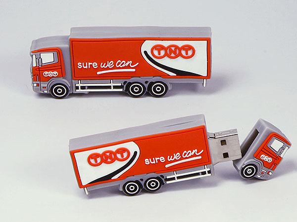 TNT Truck LKW Transporter mit Logo in flacher 2D Sonderform als USB-Stick