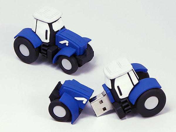 Traktor Schlepper als landwirtschaftliches Fahrzeug mit Logo als individueller USB-Stick