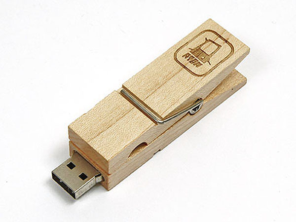 Wäscheklammer USB-Stick Atom