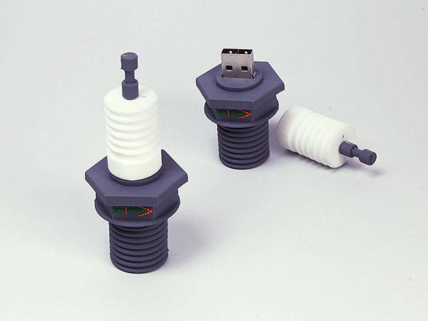 Zündkerze Auto Motor Bauteil mit Logo als USB-Stick in hochwertiger 3D Wunschform