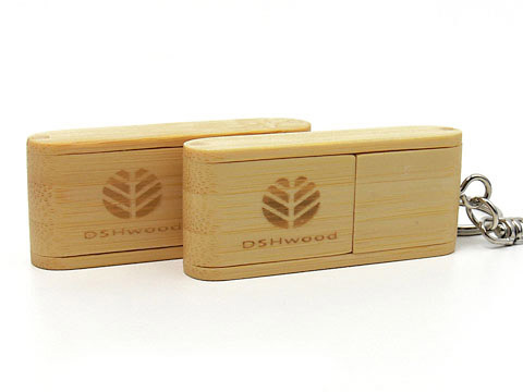 Holz-09 USB-Stick braun mit Gravurgraviert