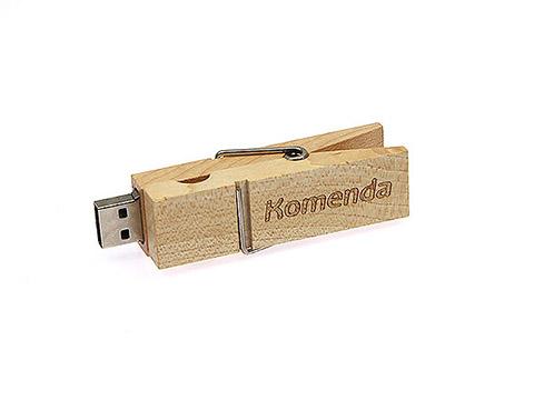USB Wäscheklammer aus Holz mit Gravur