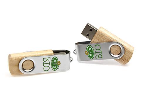 Arla Bio USB-Stick aus Holz bedruckt mit Logo