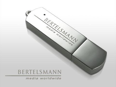 USB-Stick aus Vollmetall hochglänzend mit Gravur und Geschenkbox mit Silberprägung