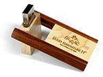 Holz USB-Stick mit Tiefenprägung bzw Gravur