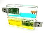 Bunte USB-Sticks mit Flüssigkeit zum bedrucken