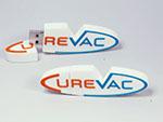 Curevac indivudller USB-Stick in flacher 2D Form des Logos