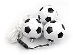 Alter Fussball in schwarz und weiss