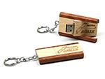 Holz USB-Stick mit Tiefenprägung und Schlüsselring