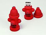 Roter Hydrant USB-Stick als Feuerlöscher mit Wasser in Sonderform