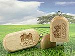USB-Stick Handschmeichler aus Holz mit Gravur