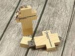 USB-Holzkreuz mit Logodruck Give Away